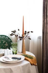 Interior styling for small spaces: more table styling
